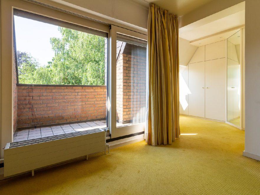 Balkon mit Ankleidezimmer